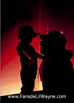 Foto de Lil Wayne con su hijo pequeño Dwayne Michael Carter III