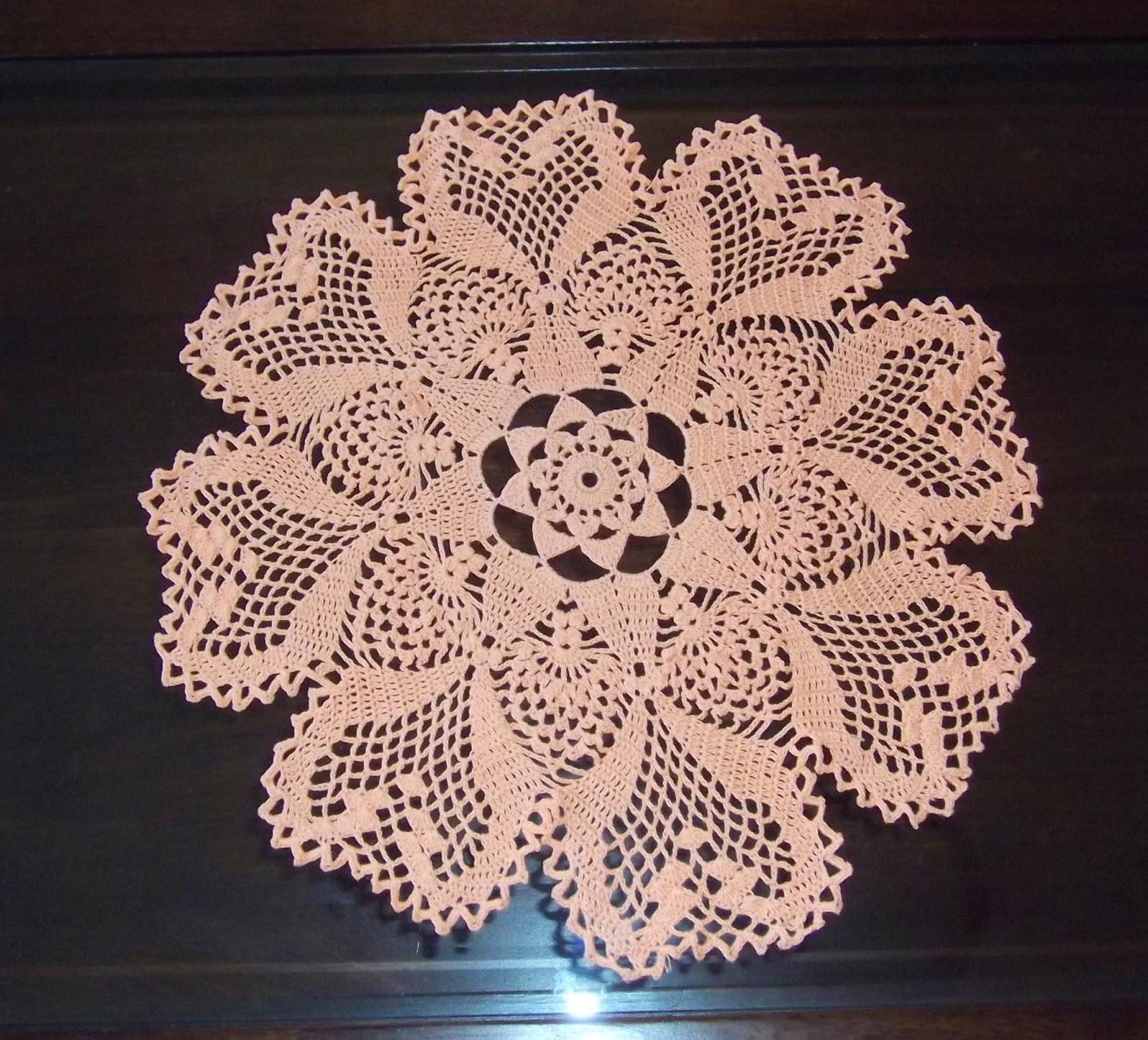 Crocheted doily.Салфетка связанная крючком