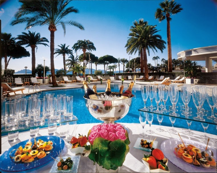 Passion for luxury grand hyatt cannes hotel martinez for Hotel luxe france