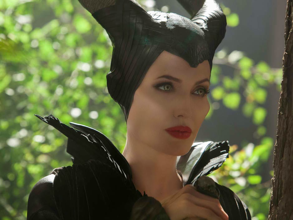 How to Dress Like Maleficent, the Angelina Jolie Version ...