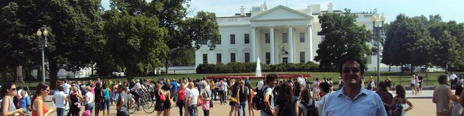 En los exteriores de la Casa Blanca - EE.UU.