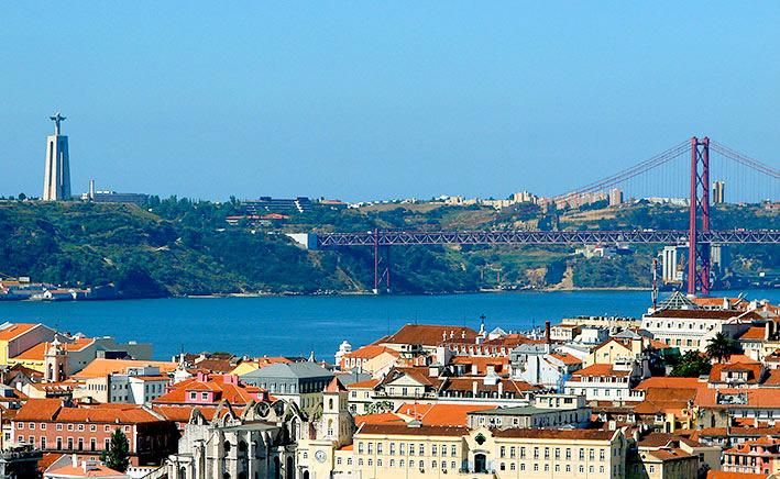 Almada Portugal  city photos gallery : ePORTUGUÊSe: Cristo Rei de Almada Portugal