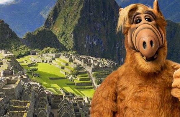 Alf anuncia su regreso a la Tv con fotos en Machu Picchu