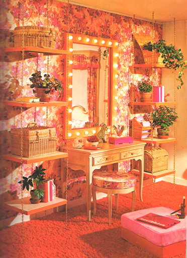 Mod and Mint: 5 Amazing Monochromatic Vintage Interiors
