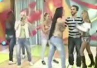 pelea de chicas bailarinas en vivo en set de television
