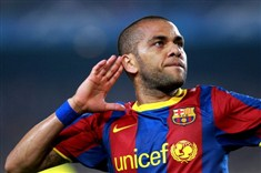 FC Barcelona : Dani Alves changes still number