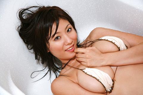 Yuma Asami- Gravure Idol