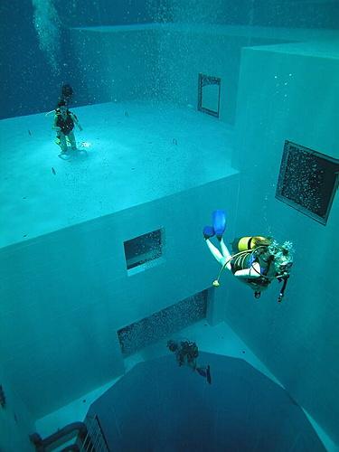 Gu as de viaje gratis la piscina m s grande del mundo for La piscina mas temible del mundo