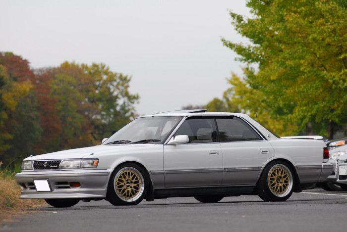 Toyota Chaser X80, japoński sportowy sedan, tylnonapędowy, napęd na tył, RWD, drifting, zdjęcia, tuning, lata 80, JDM