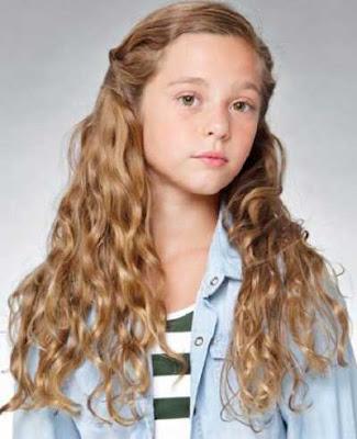 Model rambut panjang ikal untuk anak-anak 32225648