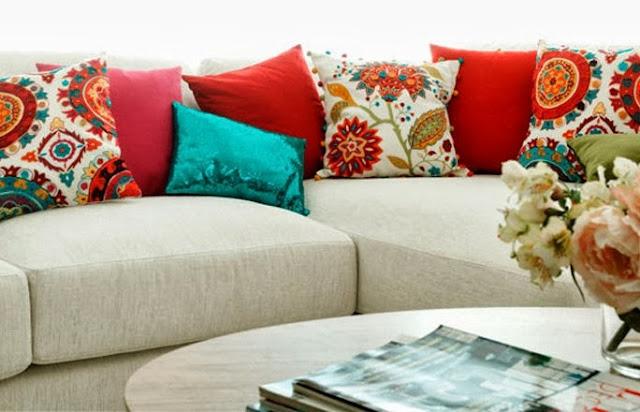 Mi rinc n de sue os siete opciones para cojines para el sof for Sofa estilo romantico
