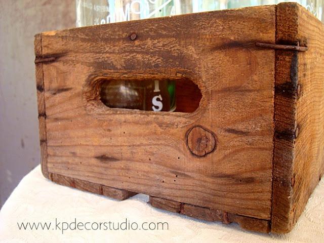 Cajas y botellas de cristal vintage para decoración