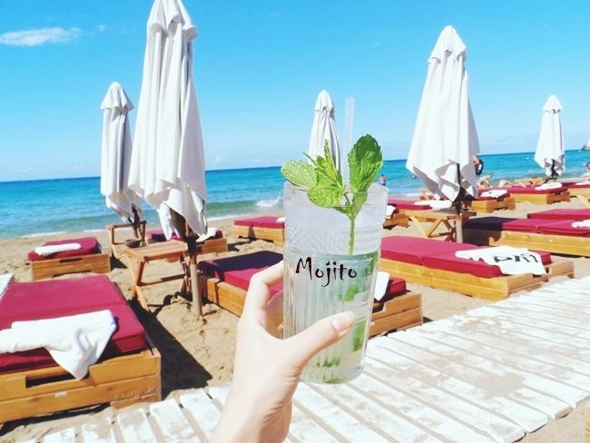 Pazuzu beach bar,Glyfada beach,Corfu.Where to go in Corfu.Pazuzu bar cocktails.Pazuzu bar Mojito.Best beach bars in Corfu.Gde ici na Krfu.Glifada plaza,Krf.