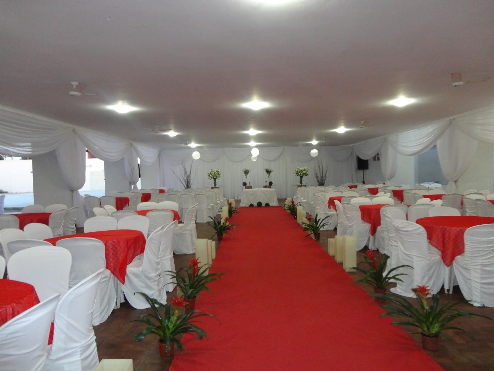 Juneo Silva Decorações Casamento vermelho e Branco Simples Natural