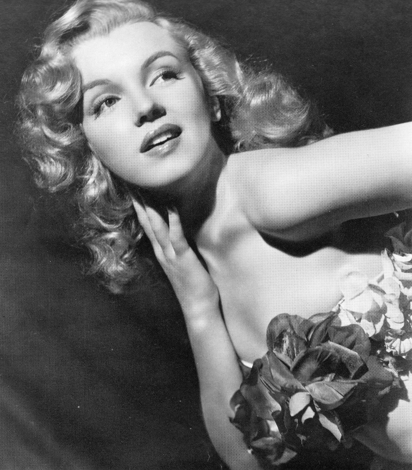 http://4.bp.blogspot.com/-QgdSlgKPbQ0/Terbhw1e3XI/AAAAAAAAB5Q/xQWgw3EqfWA/s1600/Marilyn+Monroe.jpg