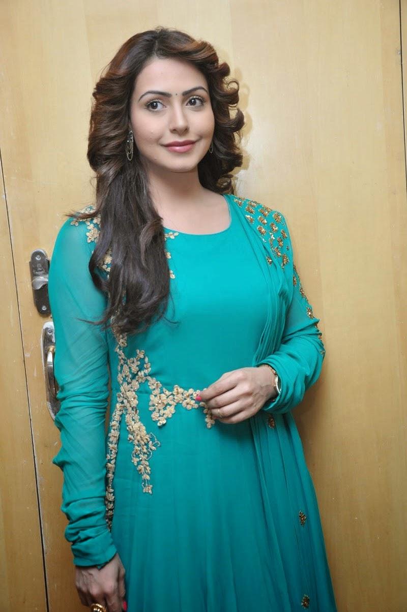 Actress Nandini glamorous photos-HQ-Photo-1