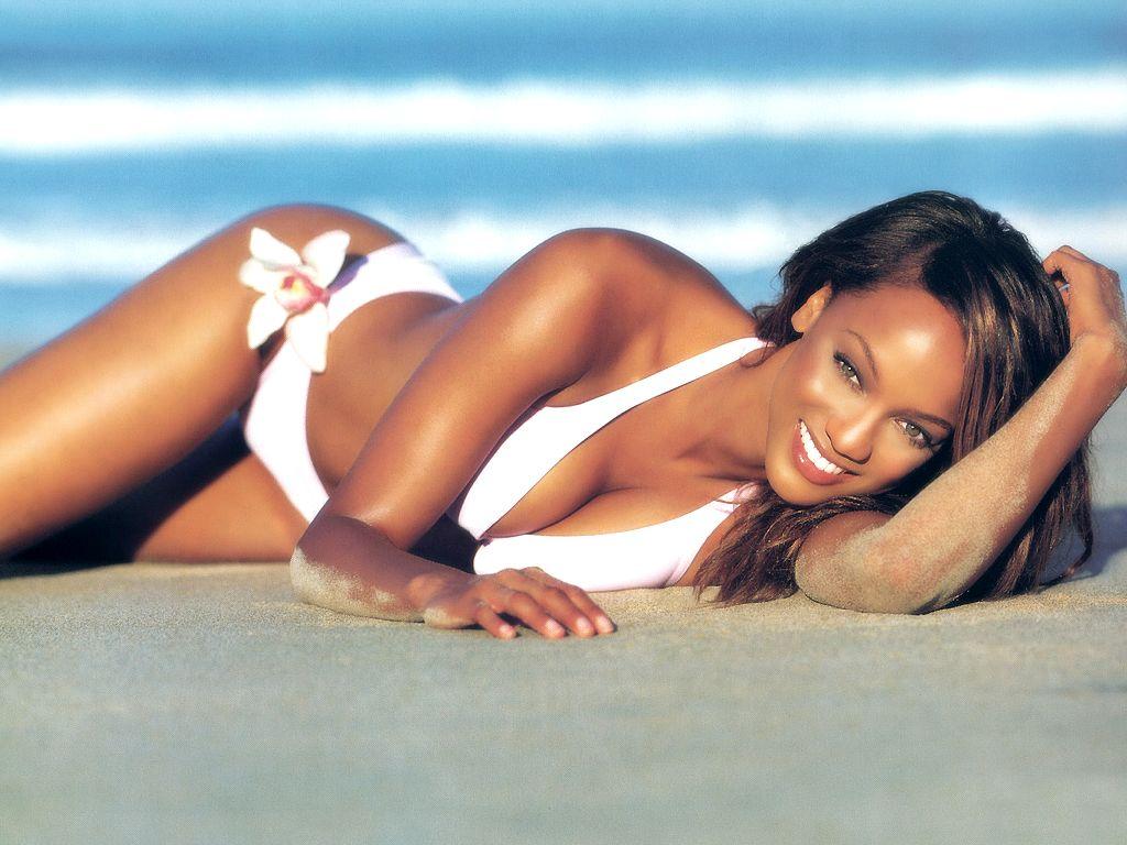 http://4.bp.blogspot.com/-Qh37TvLHmEY/TnolUVjXAsI/AAAAAAAAA-w/vuhxjsaeJUc/s1600/Tyra-Banks-in-hot-bikini-1.JPG