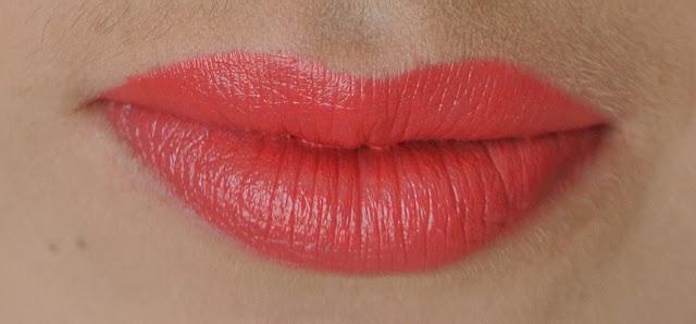 mac tropical taboo lady at play lipstick