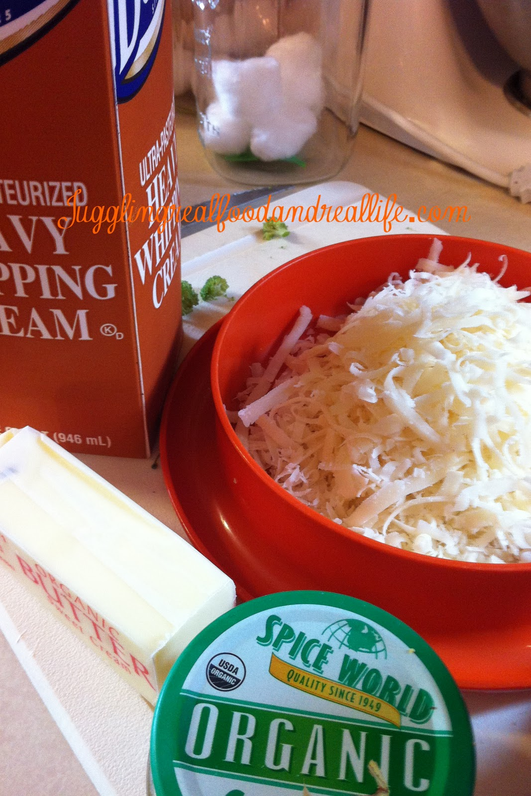 Quick and Easy Homemade Alfredo Sauce - Juggling Real Food and Real ...