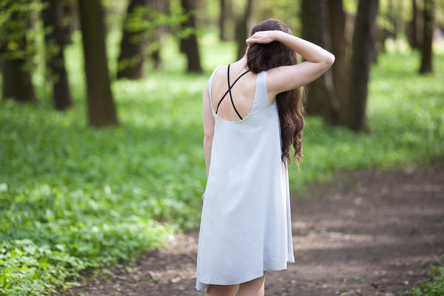 dekolt plecy stanik bielizna sukienka topsecret