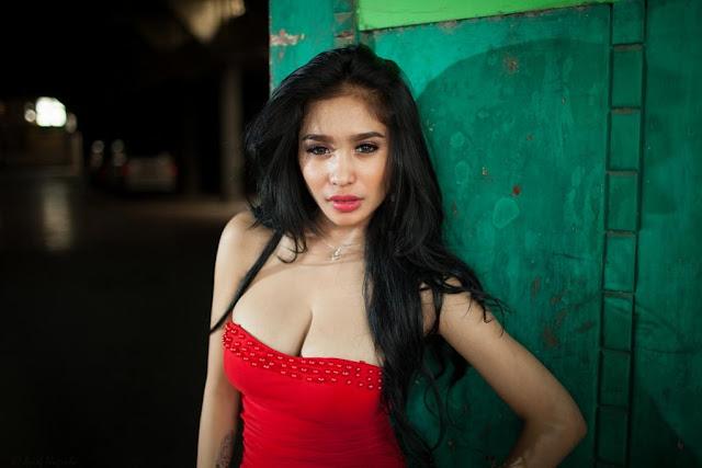 Bibie Julius - Sexy Hot Poses