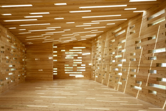 Reciclaje de madera espacios en madera for Puertas con madera reciclada