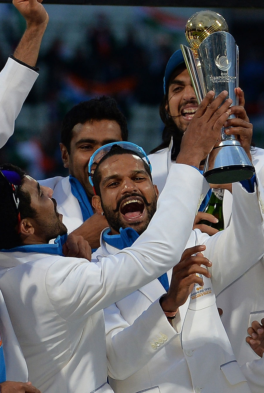 Shikhar-Dhawan-named-player-of-the-tournament-Champions-Trophy-2013