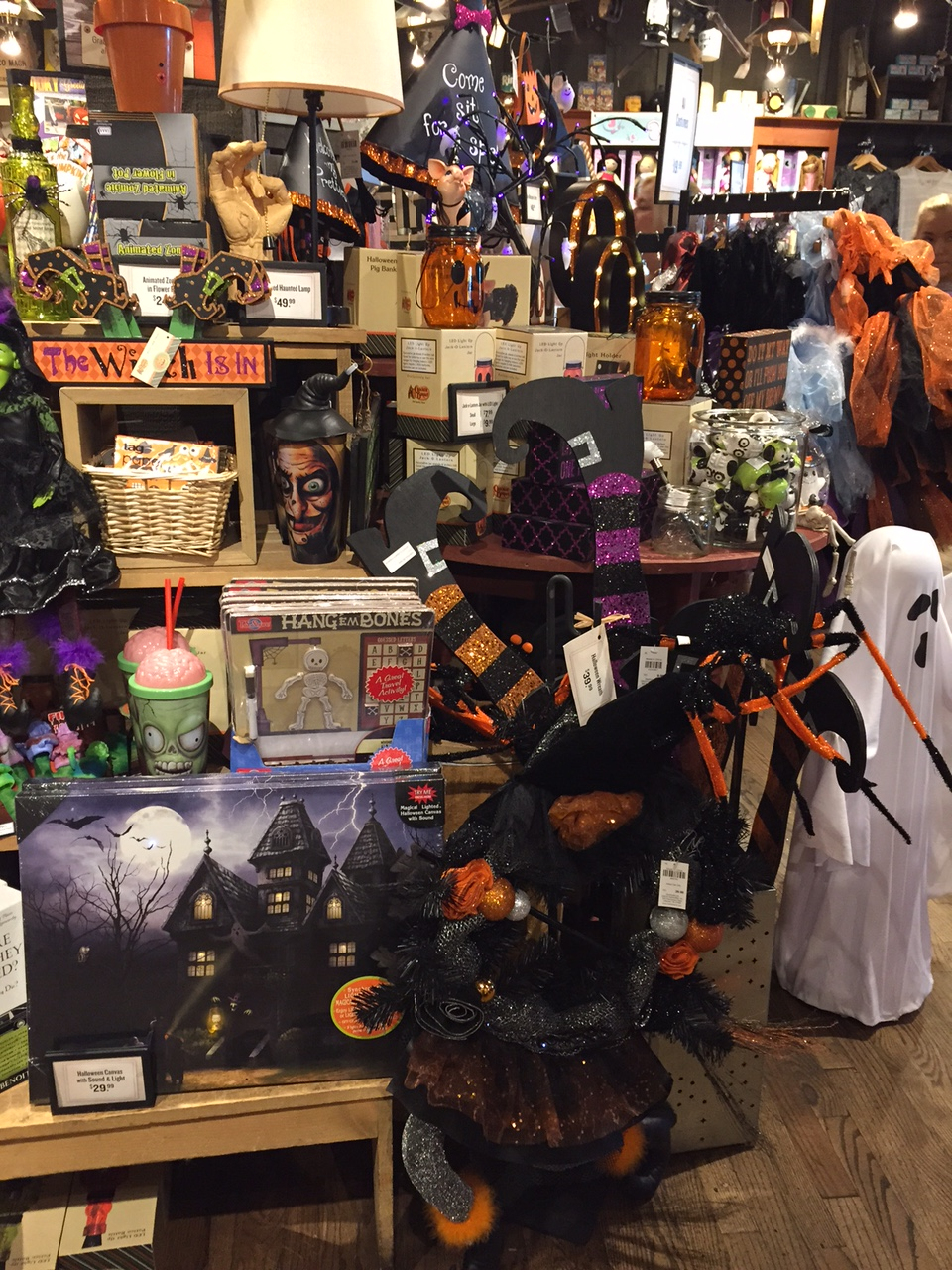 2015 halloween at cracker barrel