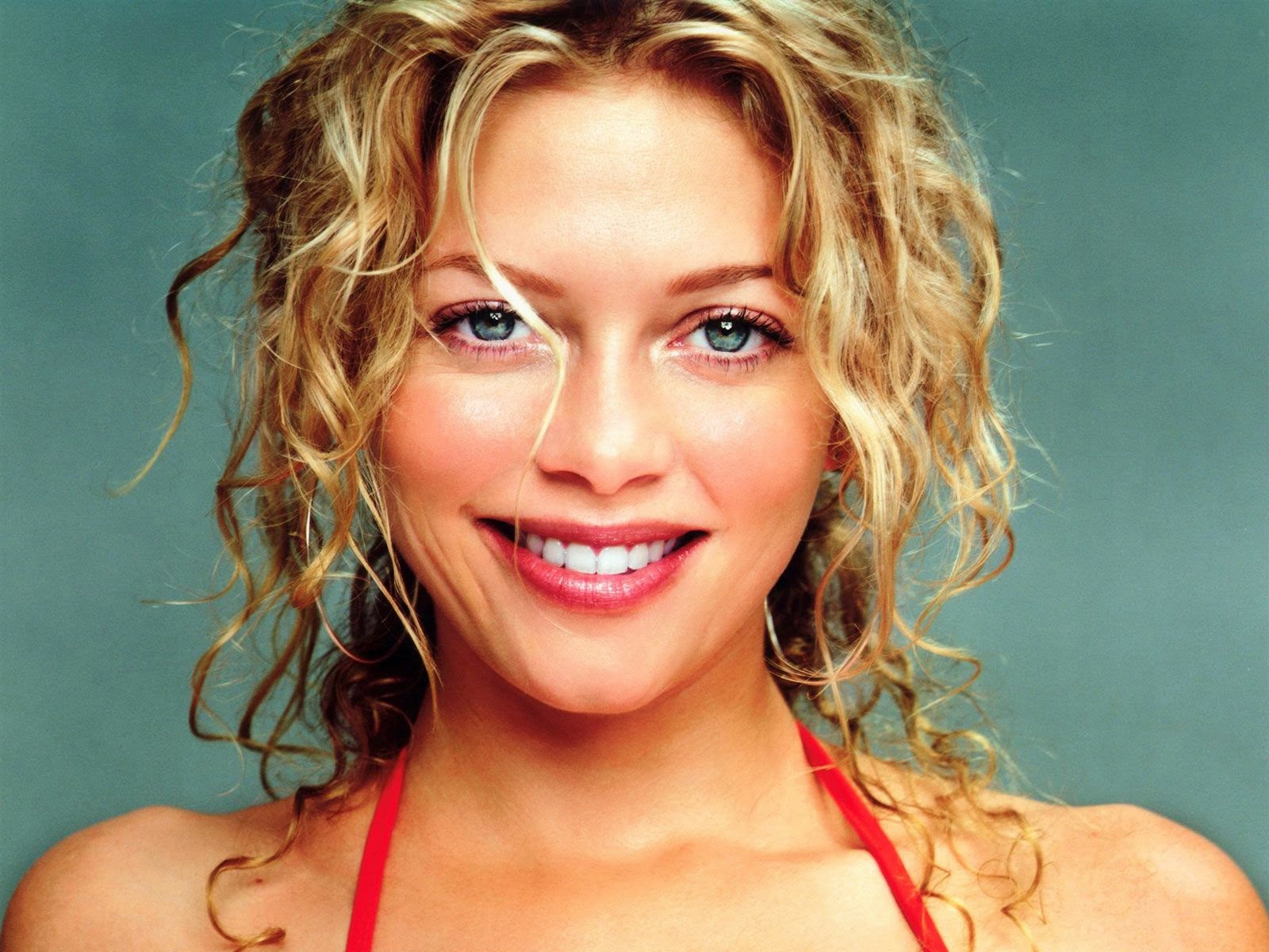 Amanda Detmer Wallpapers Free Download