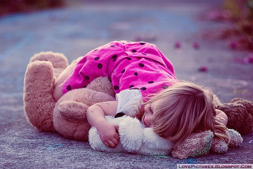 cute-kid-hug-teddy-bear-toy-love