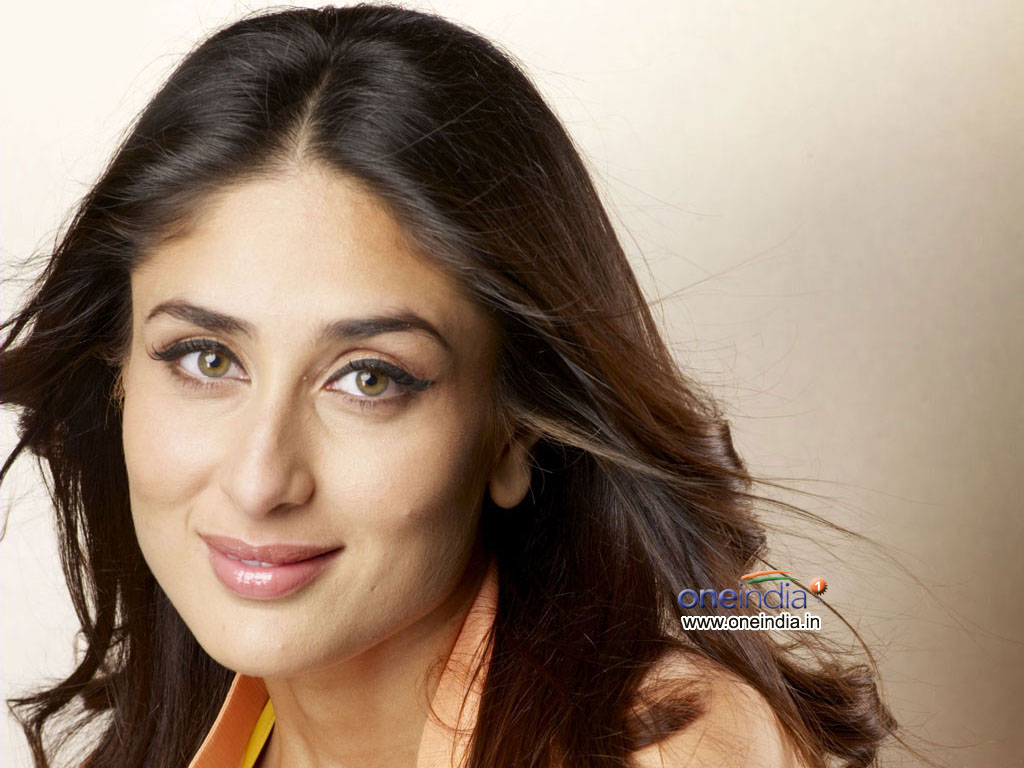 Kareena Kapoor Photo Gallery Indian Actress Kareena  - kareena kapoor indian actress wallpapers