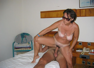 Naked brunnette - rs-20080703_006-739930.jpg