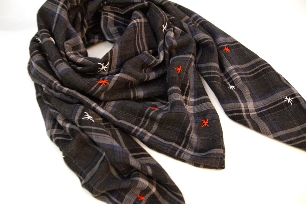 embroidered scarf - huisje boompje boefjes