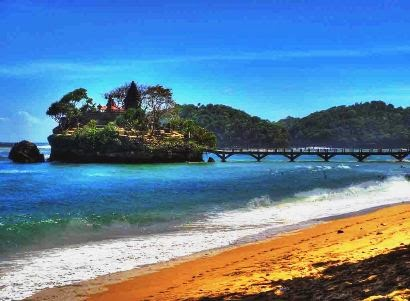 5 Pantai Di Malang Yang Paling Cantik