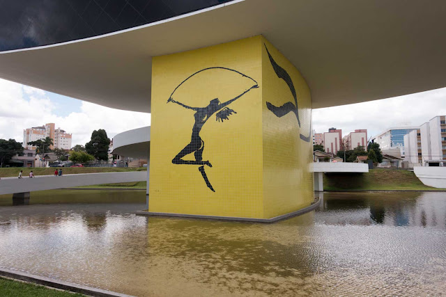 A bailarina de Oscar Niemeyer