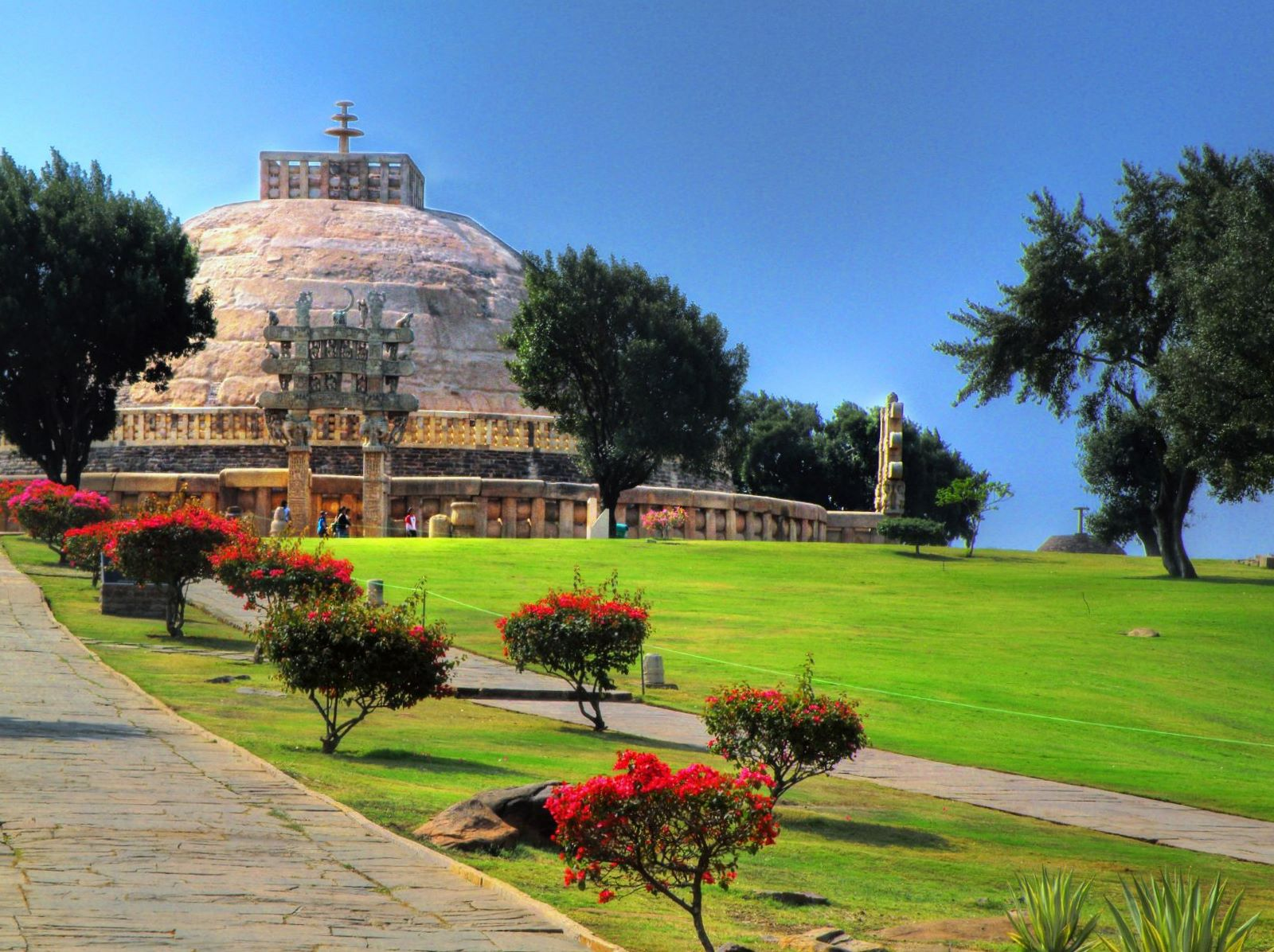 sanchi stupa Sanchi university of buddhist-indic studies is meant to address the educationalists, academicians, philosophers, researchers, practitioners around the world to spread all aspects of buddhist-indic studies from philosophy to culture which give a new face to humanity and religion.