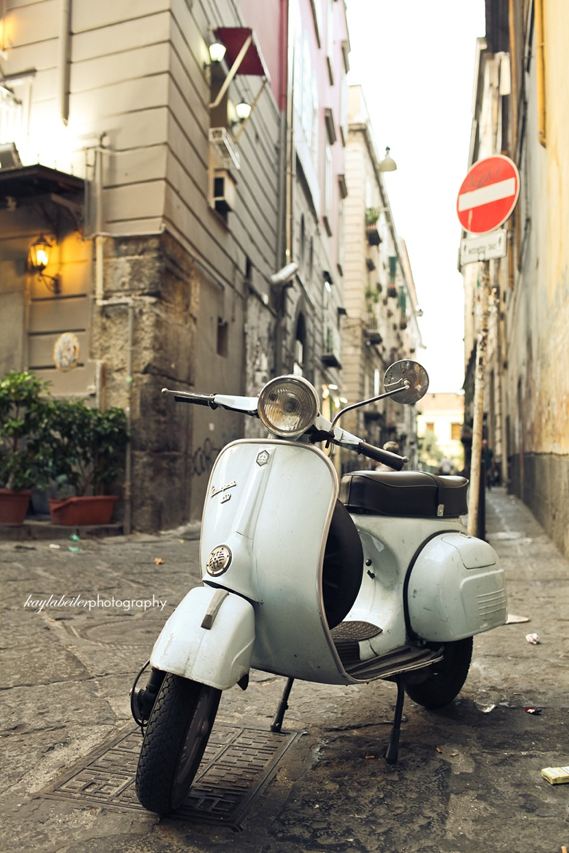 vespa naples photo