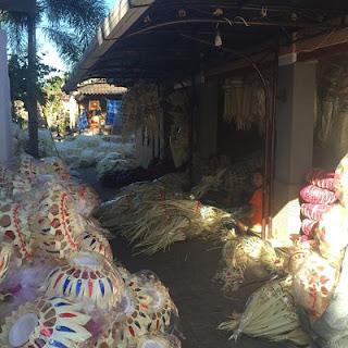 Bona Village. Bali. Ornamentos de palma.