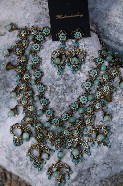 Fit for a queen...aqua crystals adorn this amazing vintage inspired necklace.
