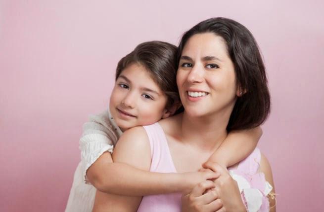 كيف تصبحين أفضل صديقة لابنتك المراهقة , خطوات لتكوني قريبة من ابنتك