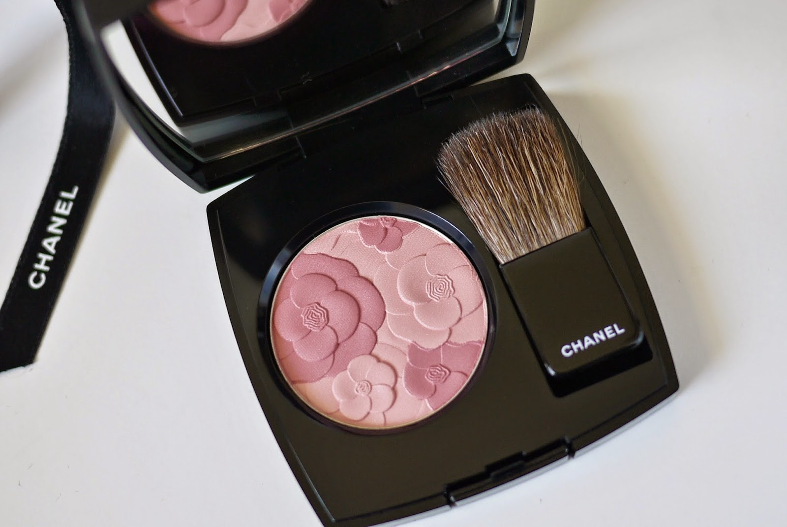Making up 4 my age admiring chanel jardin de chanel for Jardin de chanel blush 2015 kaufen