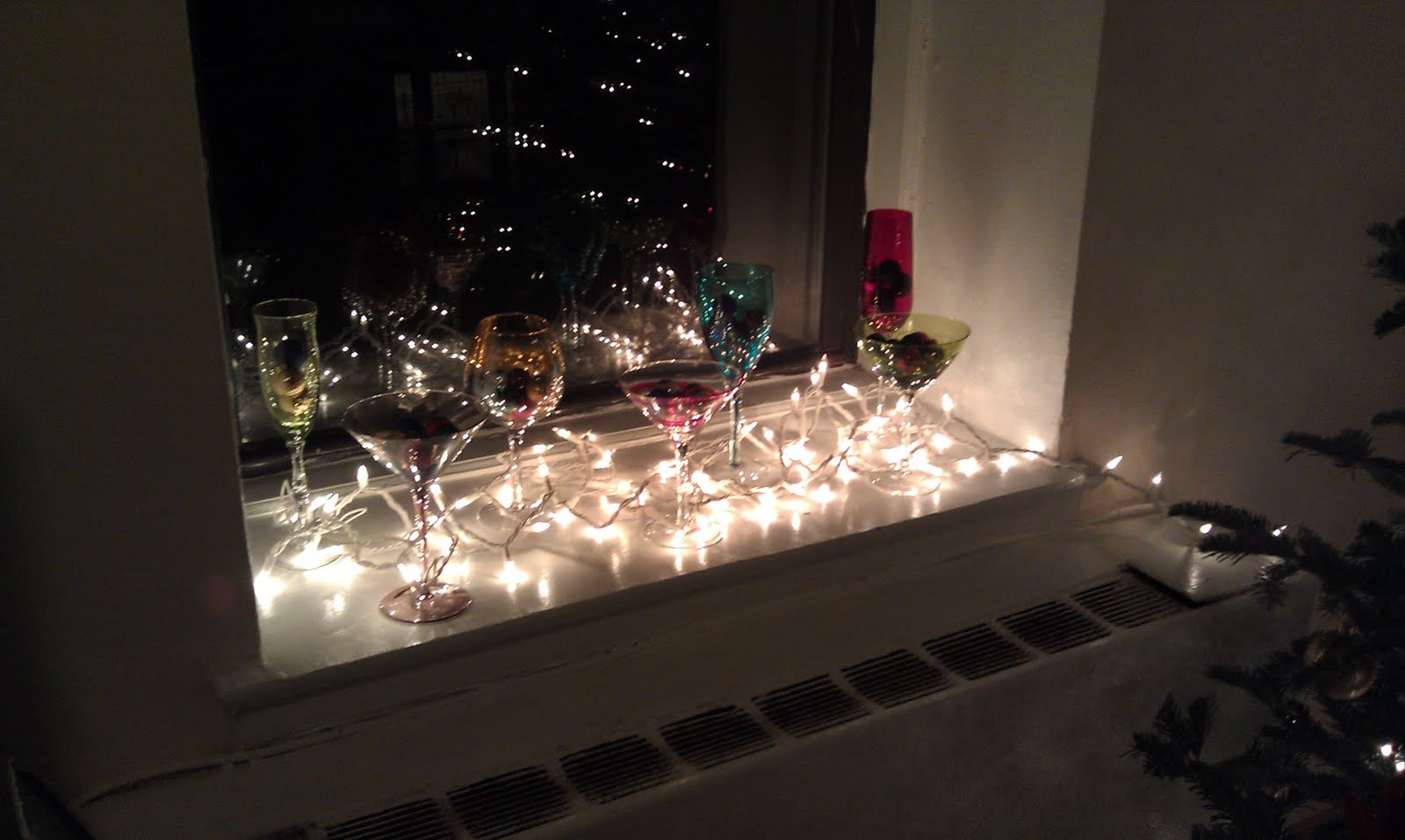 its beginning to look a lot like christmas - Window Sill Christmas Decorations