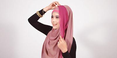 Cara Menggunakan Hijab Pashmina 2 Warna Simple