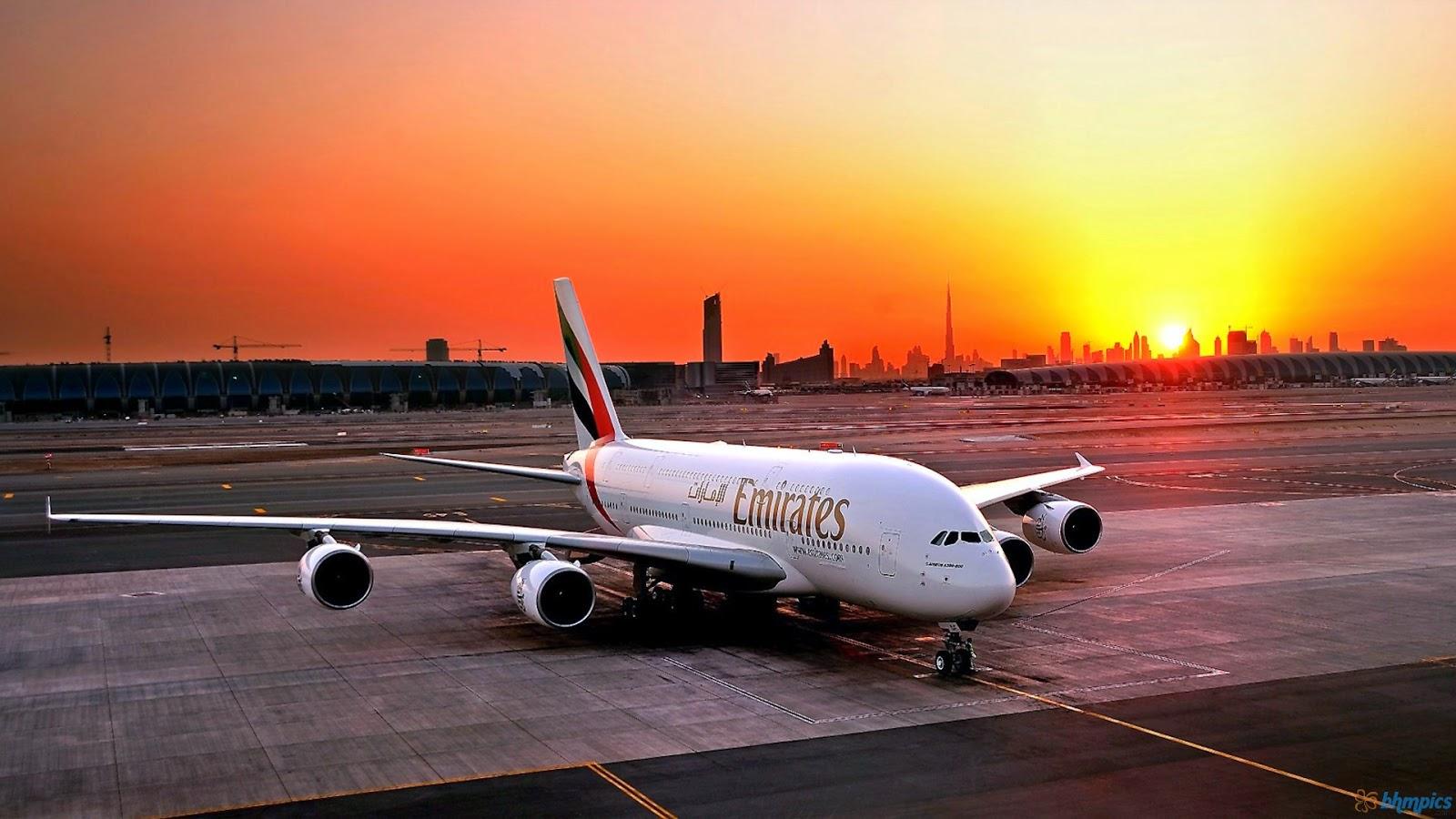 emirates-airplane-sunset-dubai