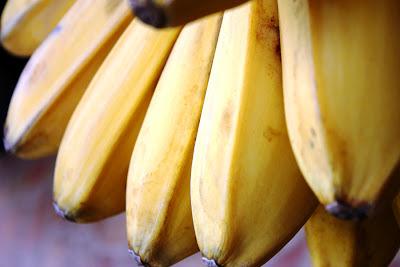 http://tipspetani.blogspot.com/2014/12/pria-dan-wanita-doyan-makan-pisang.html