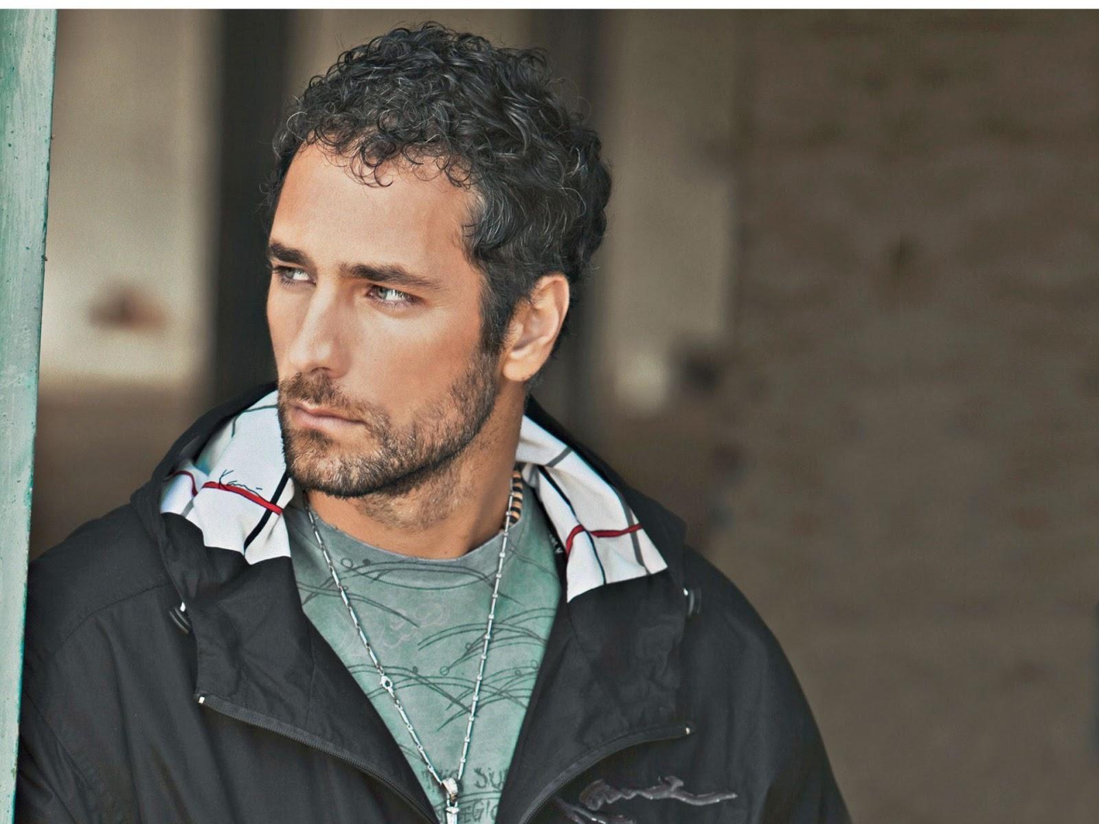 Beautiful Hairy Men: Raoul Bova