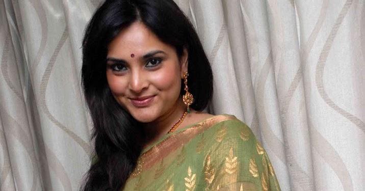 Scandals: Ramya Hot Stills In Saree