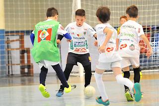 Futsal ajudando no desenvolvimento motor infantil