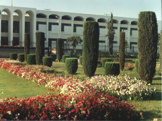 Islamia University Bahawalpur Girls http://bahawalpurdigest.blogspot.com/2012/03/quaid-e-azam-medical-college-bahawalpur.html