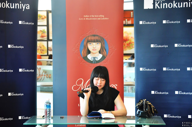 Signing Book Session with Lang Leav
